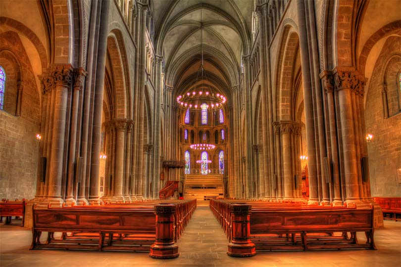 innobella-media-photography-geneva-cathedral-interior